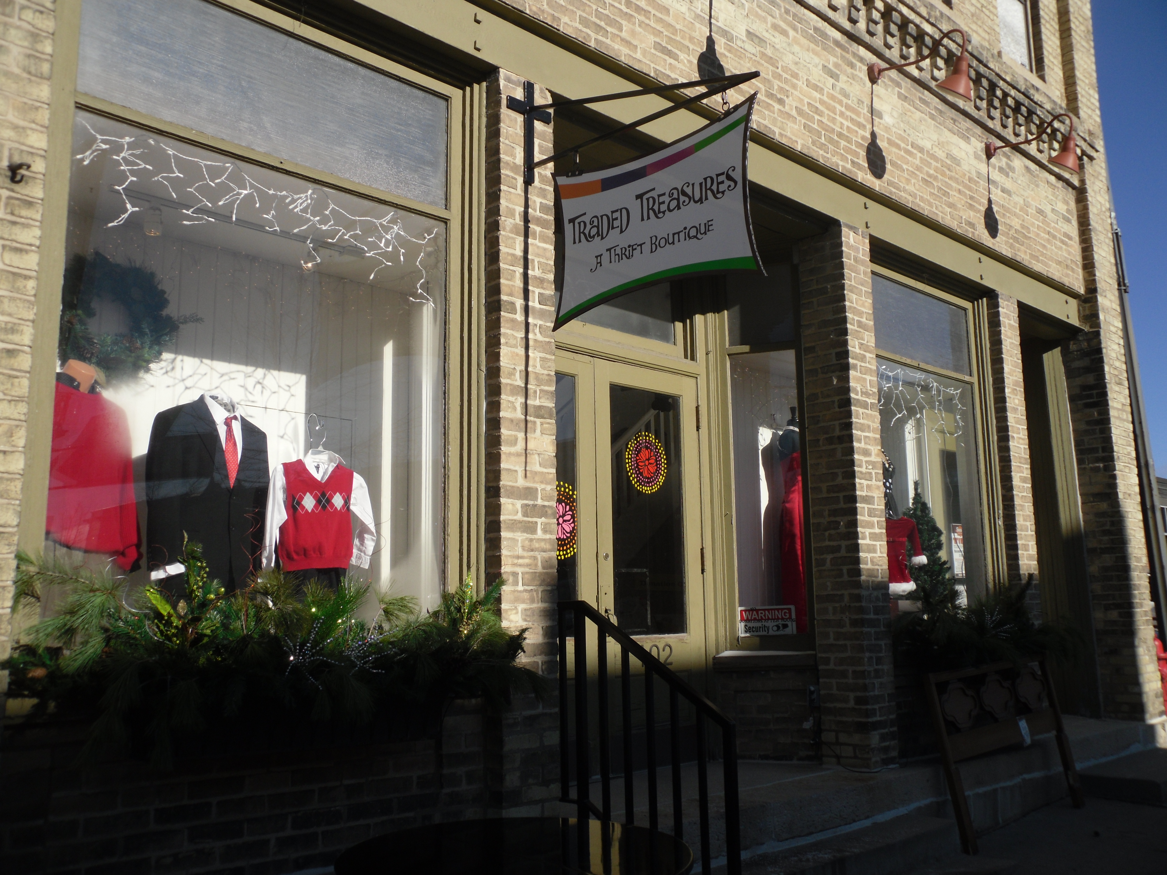 Traded treasures a thrift boutique a thrift boutique for Food pantry ripon wi